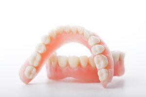 Zahnprothesen der oberen und unteren Zahnreihen